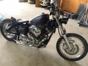 改造バイクのドラッグスター