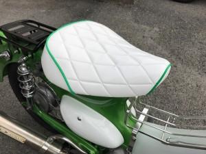 バイク、カブのオーダーシート装着