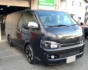 トヨタ黒のハイエース撮影ヤマショーオート2